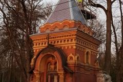 """Tartu Raadi Uspenski kalmistu """"idamaise"""" kabeli torni restaureerimistööd"""