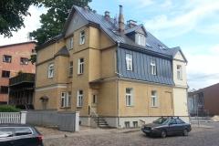 Vallikraavi 24 renoveeritud maja